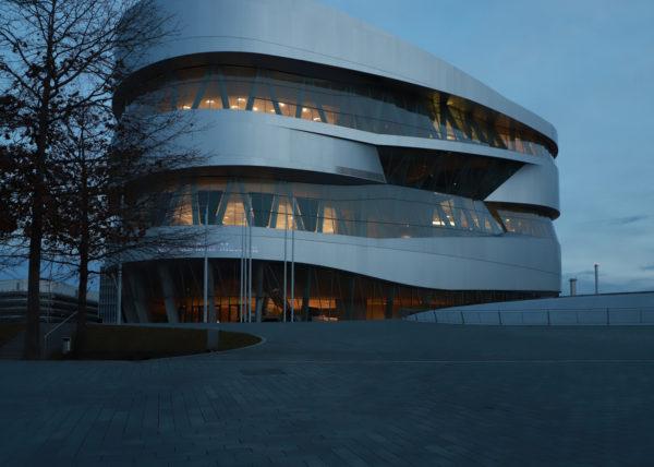 Mercedes Benz Museum Dämmerung